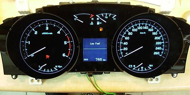 לוח שעונים לנד קרוזר.jpg
