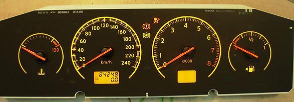 לוח שעונים ניסאן פרימרה.jpg