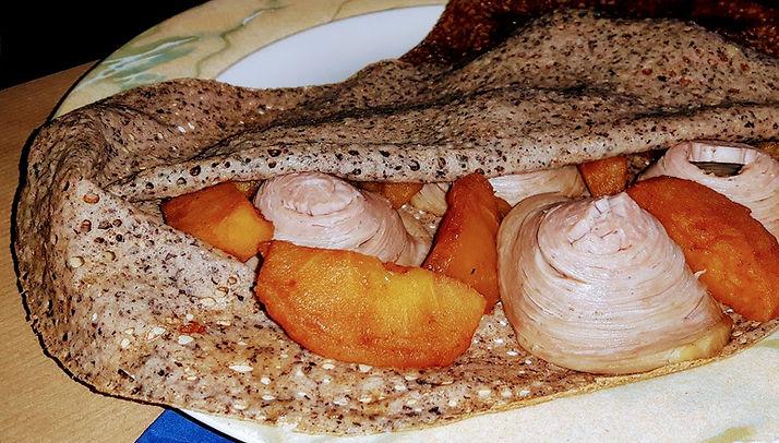 Crêperie breton traditional La Frégate Guidel pays de Lorient  crêpe breton  andouille caramelised apples