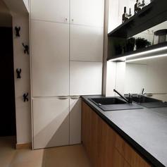 Brunetti Design Apartment Prague s garáží - Bílá kuchyň