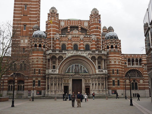 WESTMINSTER  CATHEDRAL FIRST MASS OF SUNDAY