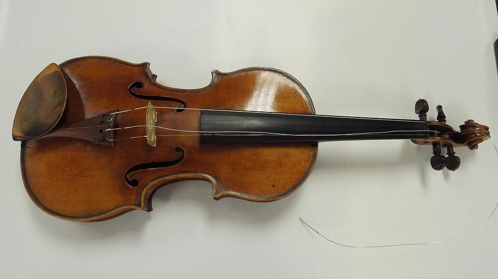 "Roman Totenberg's ""Ames"" Stradivarius; photo from FBI file"
