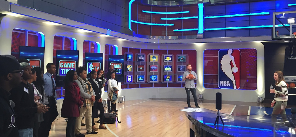 Students tour the set of Inside the NBA