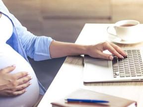 Moraes suspende norma que permite a grávidas e lactantes trabalharem em local insalubre