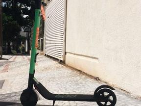 Patinetes elétricas não poderão mais ser deixadas em ruas e calçadas em SP
