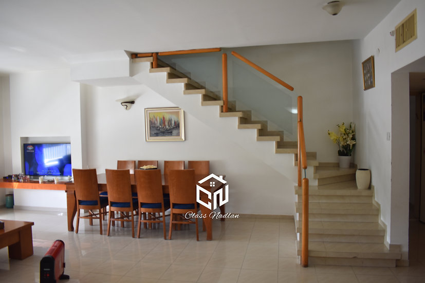 דירת 5 חדרים + מרפסת גג ברמת אפעל