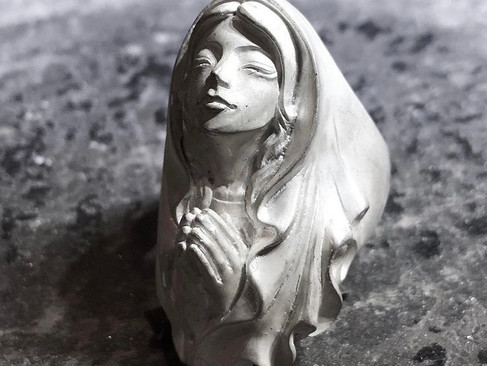 【 Mad Graffiti 】 Virgin Marie — Pray