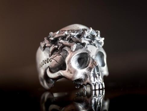 【 MadGraffiti 】アットジエンドリングハーフタイプ — 荊棘·半顎骷髏戒指