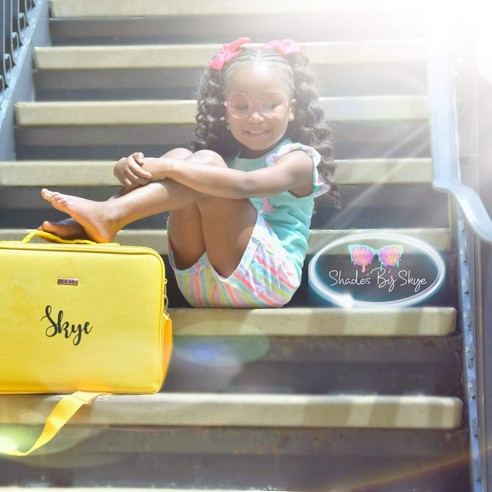 This yellow 💛 briefcase belongs to Skye.