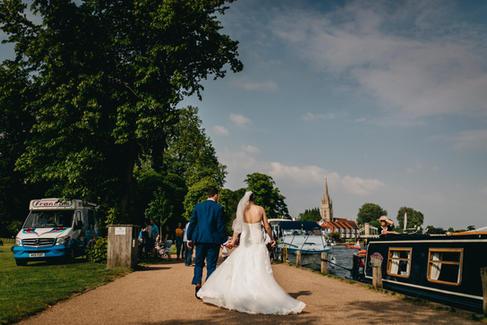 Marlow Buckinghamshire Wedding   Marlow Buckinghamshire Wedding Wedding Photographer   Lucky Sam Wedding Photographer