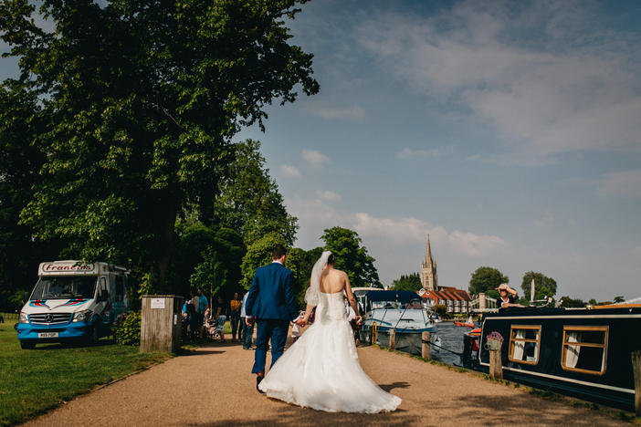Marlow Buckinghamshire Wedding | Marlow Buckinghamshire Wedding Wedding Photographer | Lucky Sam Wedding Photographer