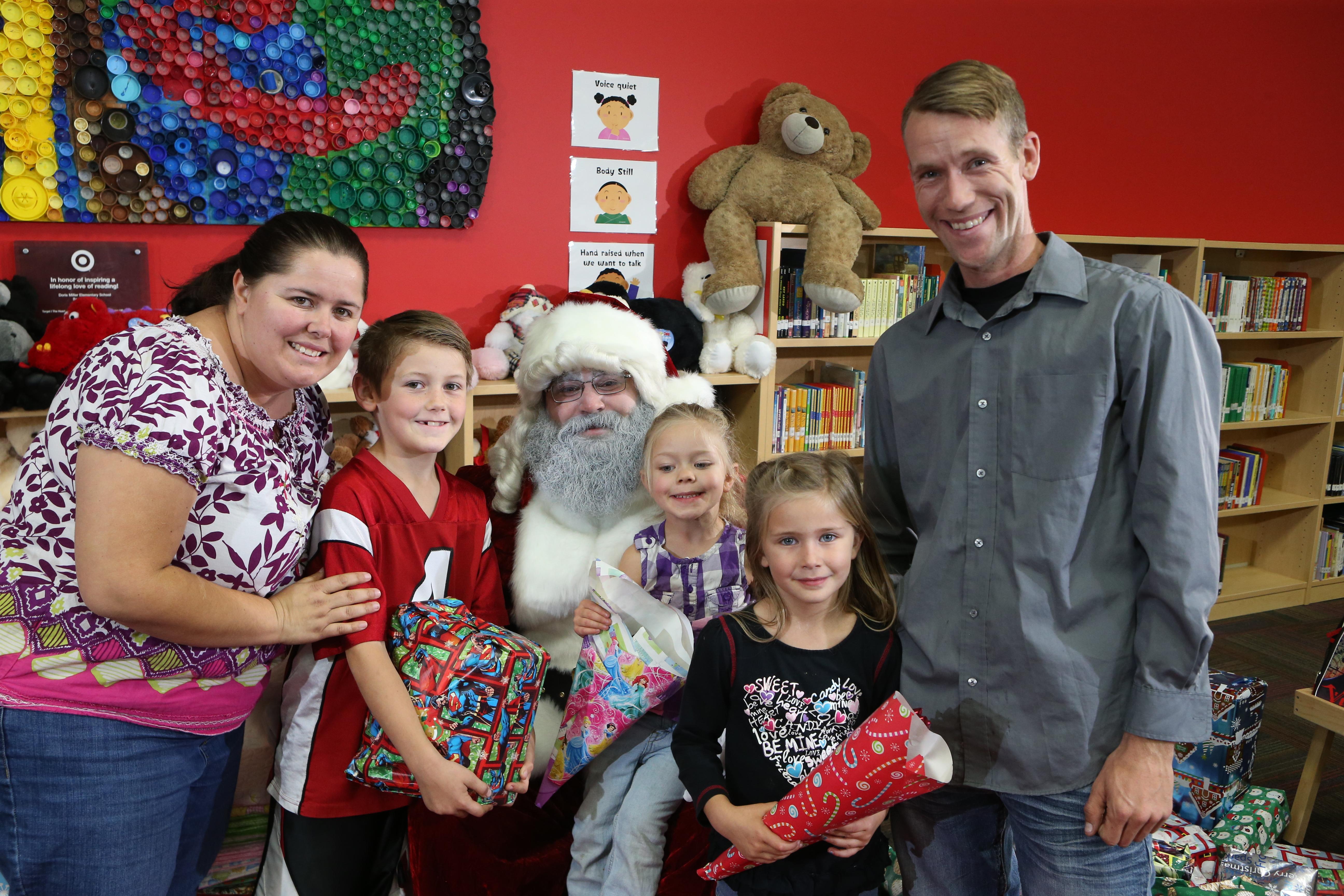 Miller Elementary School - Christmas Miracle 104