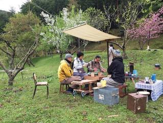 森のピクニック・ハトエビス