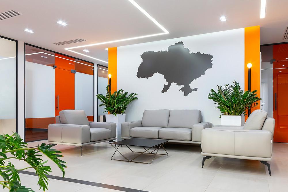 Холл офісу з картою України на стіні