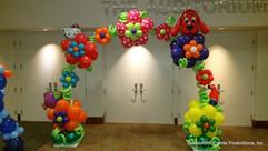 Garden balloon arch