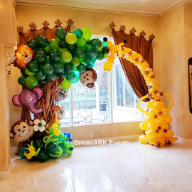 Large balloon arch in tropical theme