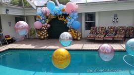 Full balloon arch