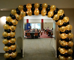 Balloon lighted arch