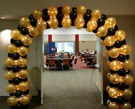 Balloon lighted arch