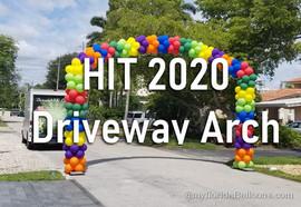 Driveway balloon arch