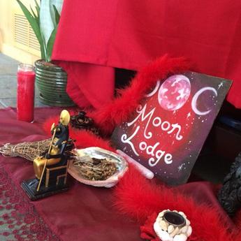 Priestess Liz's Moon Lodge