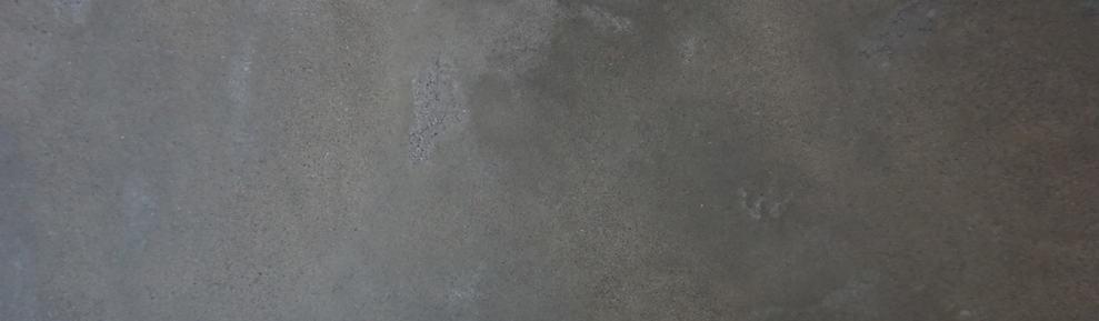 Gray cream polish