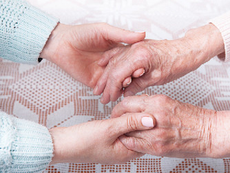 5 Things to Keep in Mind when Hiring a Home Caregiver
