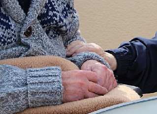 10 Best Caregiving Approaches to Dementia Care