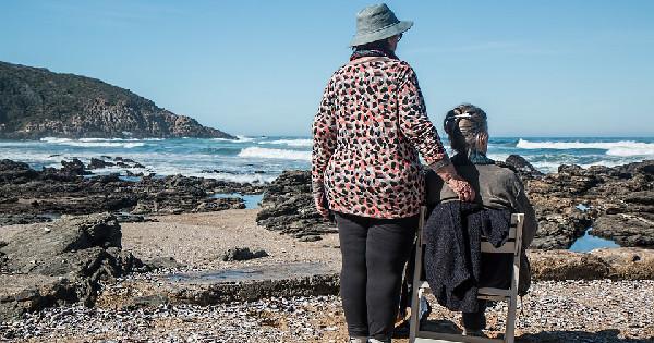 home care services, professional home caregiver, elderly, senior care