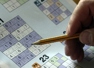 5 Games that Help Seniors Keep a Sharp Mind
