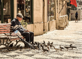 7 Signs Your Elderly Parent Needs a Home Caregiver