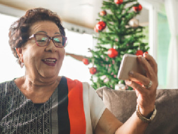 How to Plan Socially Distanced Holiday Activities for Seniors