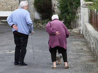 6 Signs a Senior May Need Home Care