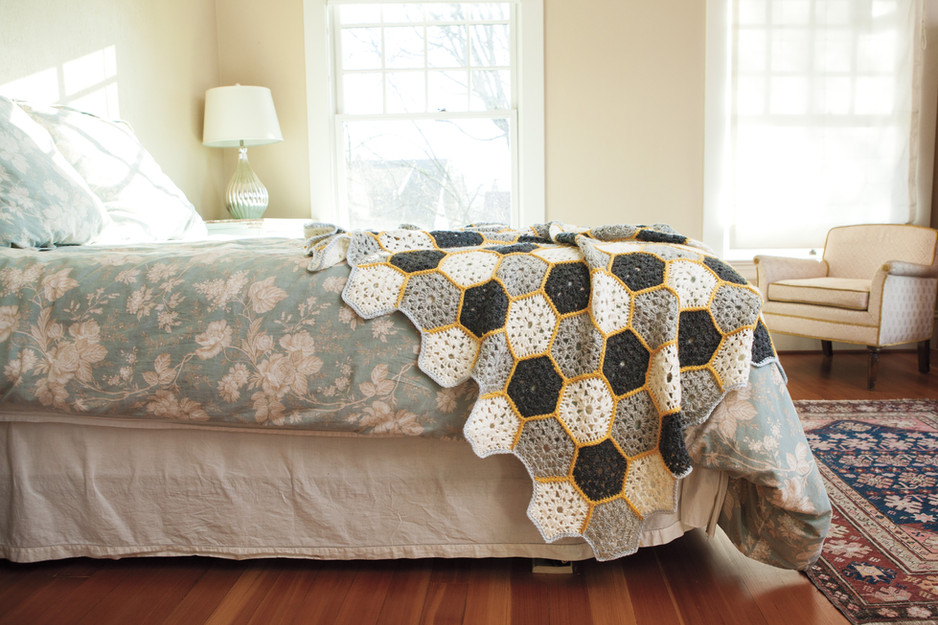 Busy Bee Throw Crochet Pattern!