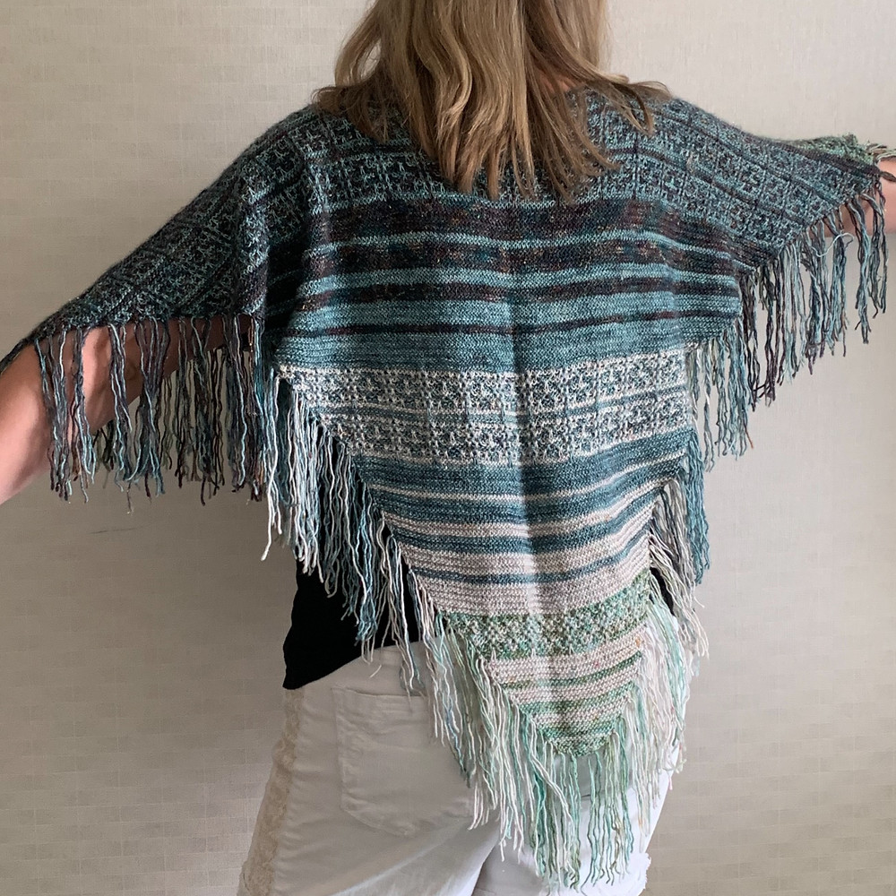 The Magic Fringe Poncho is now only $2!! 😱 (Click the image to get your copy)