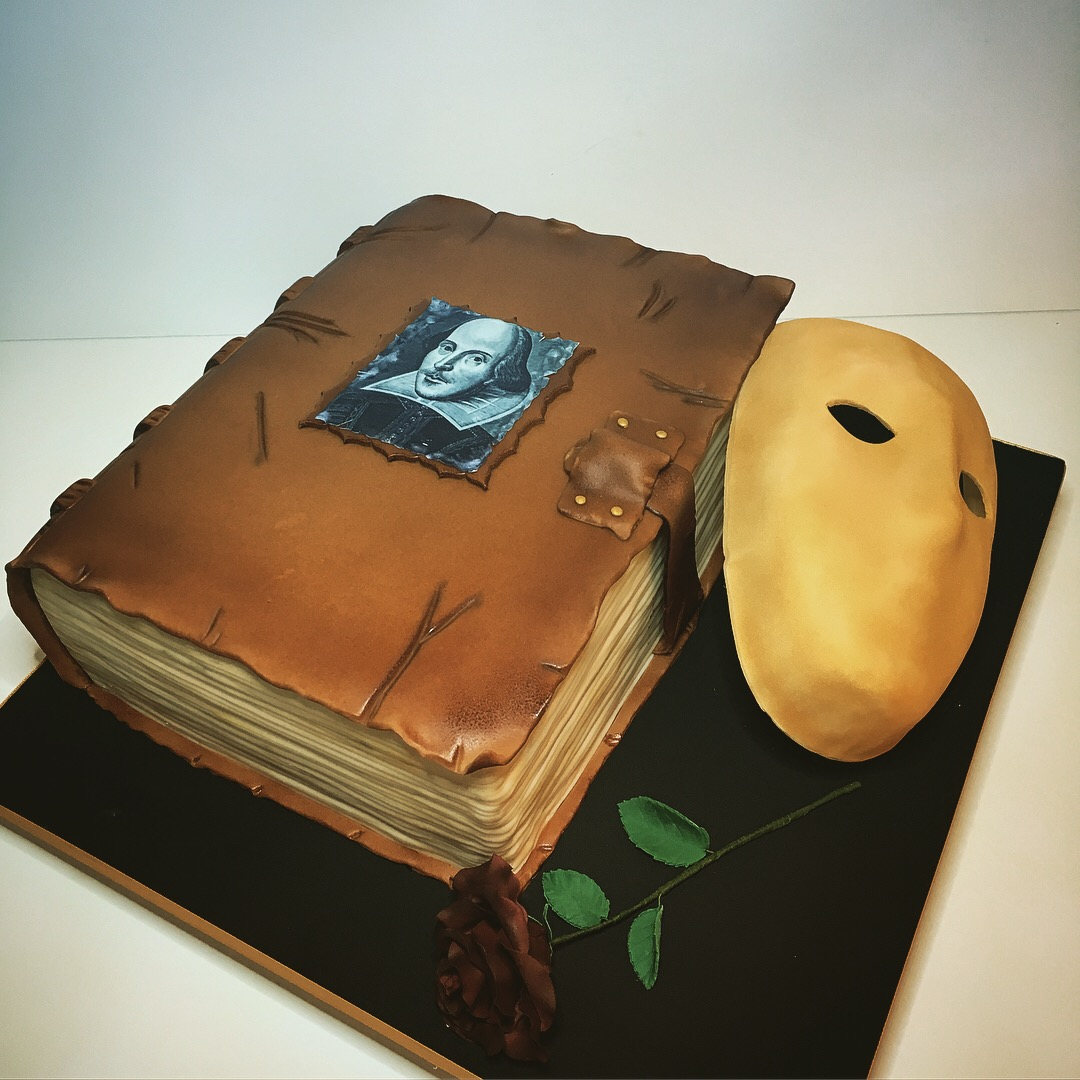 Book Cake, Shakespeare's cake,