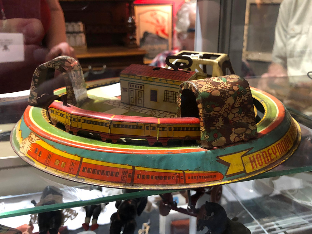 Round Top Honeymoon Express Train