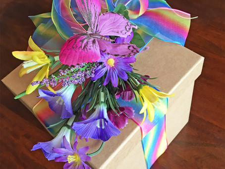 DIY : Rainbow Butterfly Gift Box