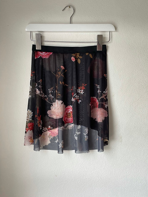 The Bela Flora Curve Skirt - short