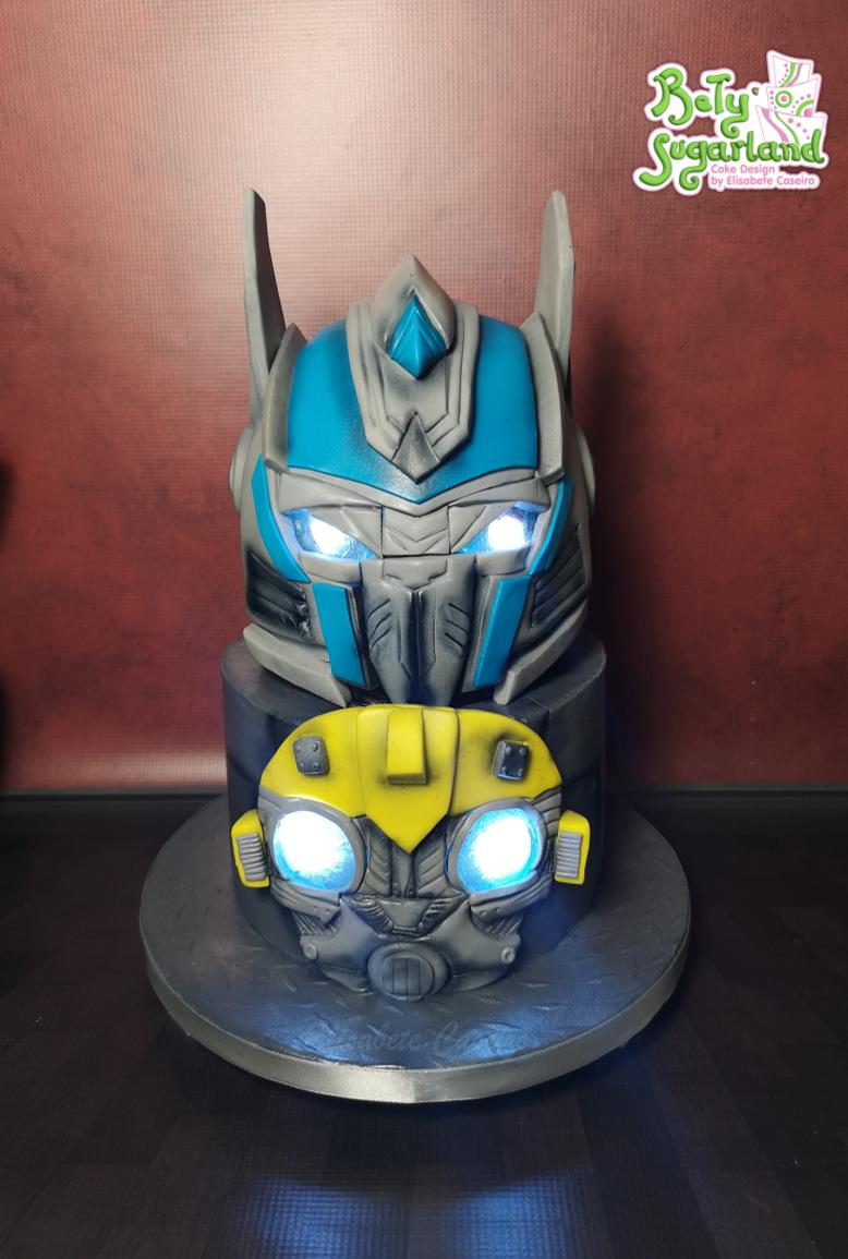 Bolo dos Transformers com luzes