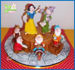 Snow White dance cake 2