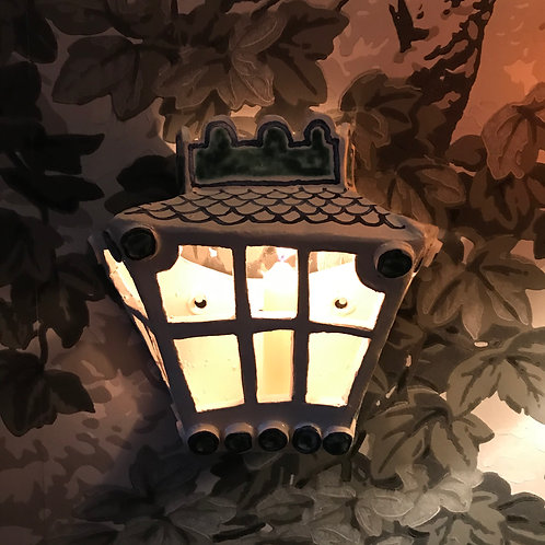 The Hollywood Lantern.