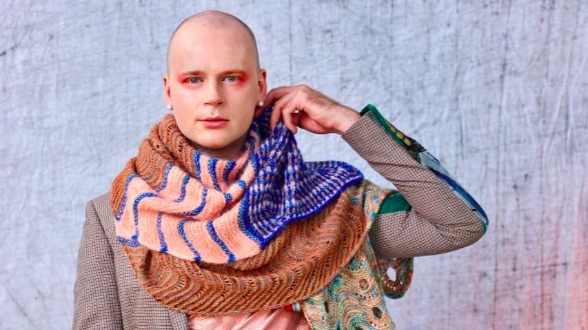 Male knitters