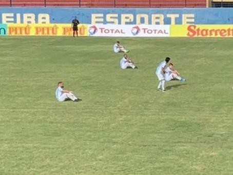 Vitória do Madureira decreta rebaixamento do Macaé e jogadores protestam