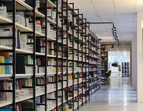 library-898333_1920.jpg