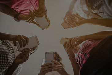 anonymous-people-busy-with-smartphones_e