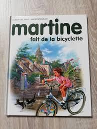 Martine fait de la bicyclette de DELAHAYE