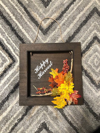 Wooden happy harvest sign