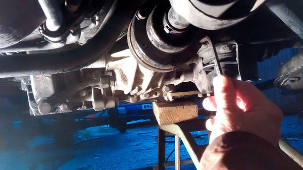 Lancia Delta propshaft removal
