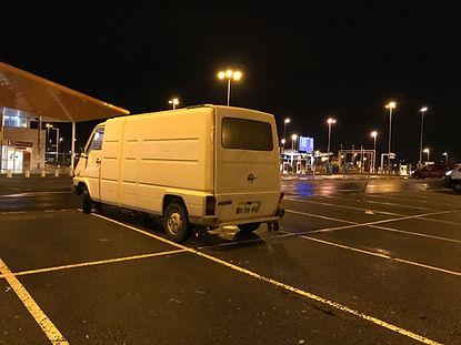 Renault Master at night